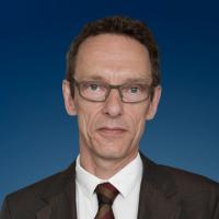 Sönke Lund - International Referral